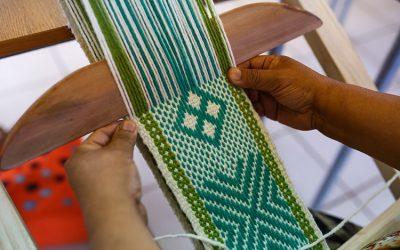 Manualidades y telar mapuche