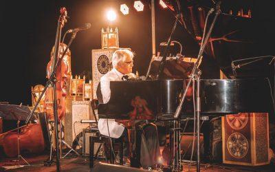 Las Canteras se engalanó con la música de Roberto Bravo